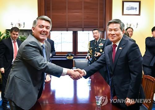 """정경두 """"주한미군 근로 한국인 무급휴직 막아달라"""" 미국 의회에 호소"""
