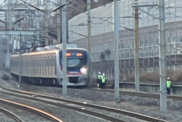 [슬라이드 화보] 지하철 1호선 전동차 선로 위 사람과 충돌...운행 지연