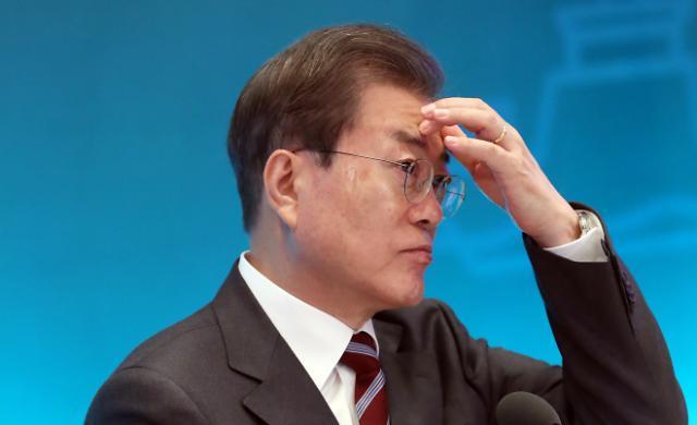 文대통령, 연이틀 '마스크 대란' 언급…현장 점검 지시