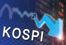 """.kospi指数跌破1980点大关 外国投资者""""抛售""""股票."""