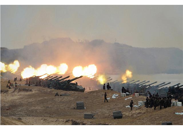 [포토] 김정은, 인민군 타격훈련 지도