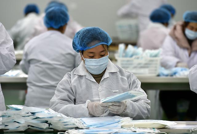 중국 마스크 하루 생산량 1억장 돌파…한달새 12배↑