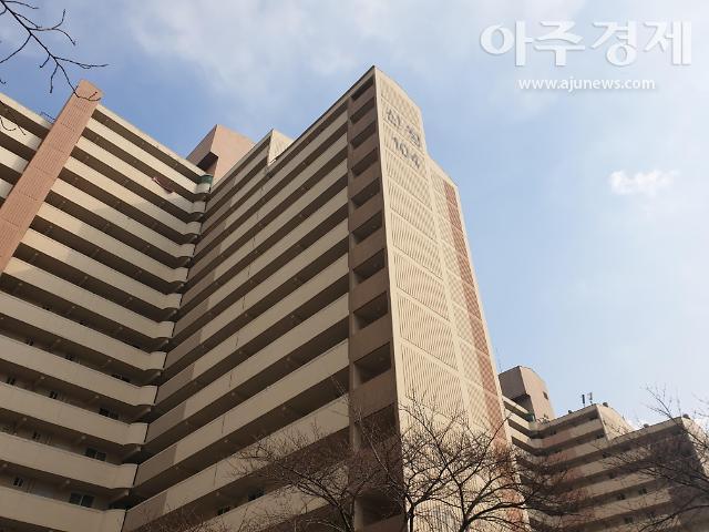 [1억원대 서울아파트] 초안산 숲세권 투룸아파트, 도봉구 신창104동 눈길