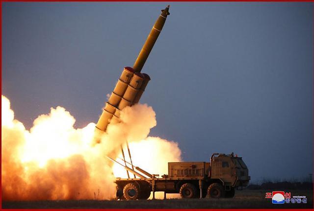 朝鲜今发射飞行器或含多管火箭炮