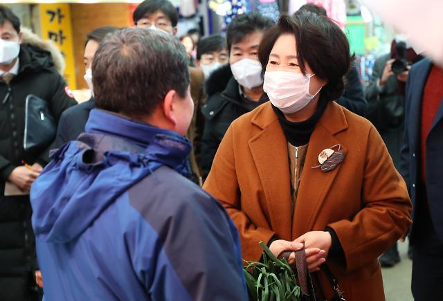 """[아주 정확한 팩트체크] 지오영 마스크업체 대표-김정숙 여사 """"관계없다"""""""