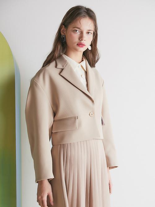 [아주 쉬운 뉴스 Q&A] 올 봄 여성 패션 트렌드, 한 끗 차이에서 나온다?