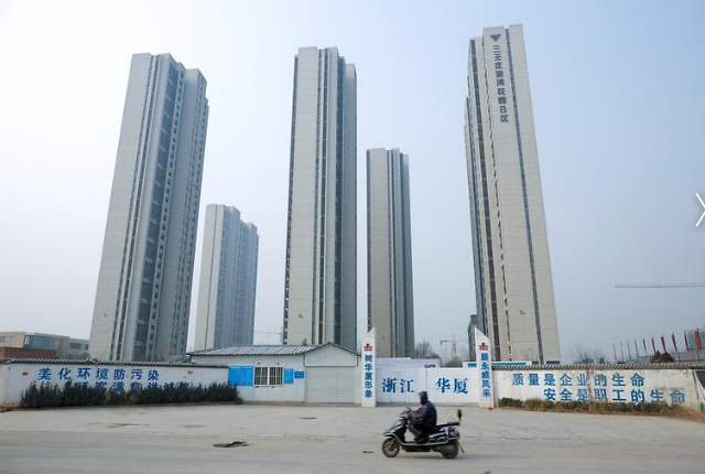 """[코로나19] """"17개 도시 주택판매 0"""" 중국 부동산 거래 전멸"""