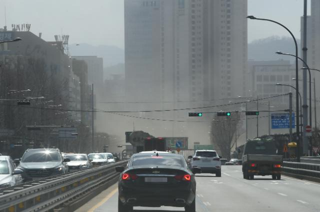 强风直袭韩半岛 首尔时隔21年拉响强风警报