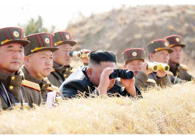 朝鲜发射2枚疑似近程弹道导弹飞行器