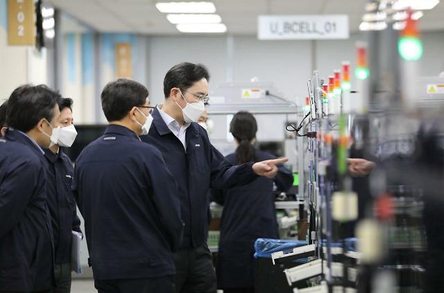 """이재용 삼성 부회장 """"국민의 성원에 보답할 수 있는 길은 혁신""""…현장경영 지속"""