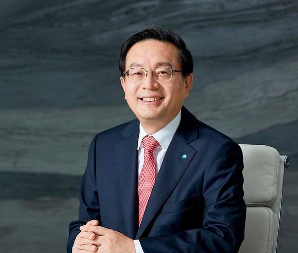 손태승 우리금융 회장 주총서 연임 확정