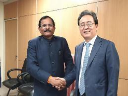 [インドのシャットダウン緊急診断] シン・ボンギル在インド韓国大使「起亜車150人が入国できないと、下半期『SONET』生産に支障」