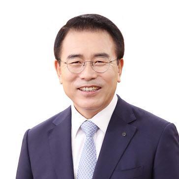 """조용병 신한금융 회장 연임 확정…""""'라임 사태' 고객 손실 최소화 최선 다할 것"""""""