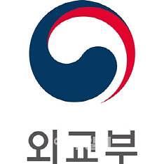 """[코로나19] 日, 한국發 입국제한 내달 말까지 연장...외교부 """"유감""""(종합)"""