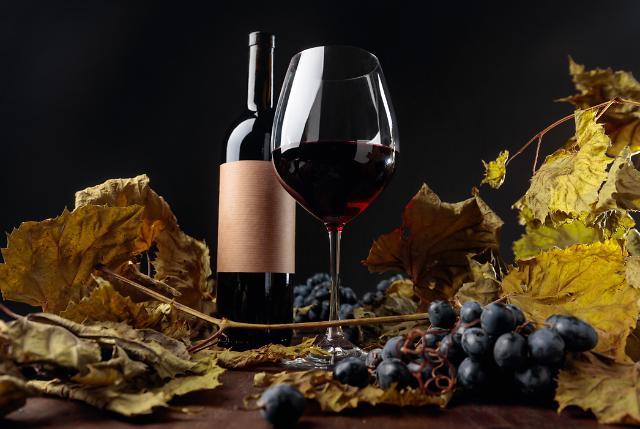 홈술족 증가에…와인 프로모션 강화하는 유통가