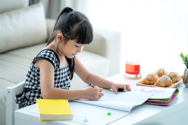 """""""없어서 못 판다""""…개학 연기에 태블릿 PC·복합기 판매 불티"""
