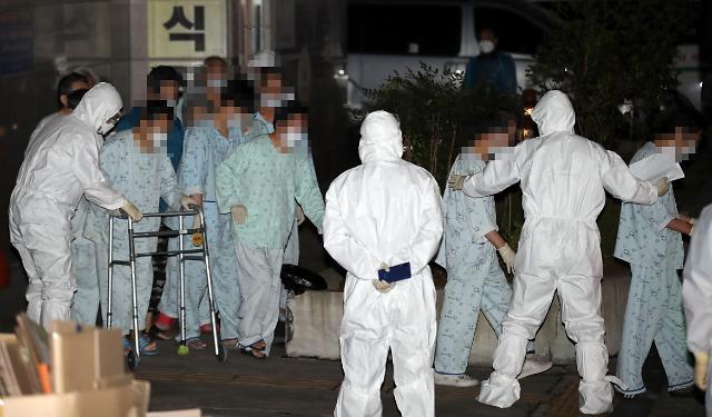 [코로나19] 확진자 125명 늘어 총 9786명…대구 60명‧서울 24명 추가 (상보)