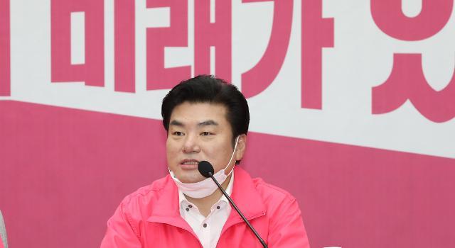 """원유철 """"미래한국당, 통합당과 차이 없다…우리는 형제정당"""""""