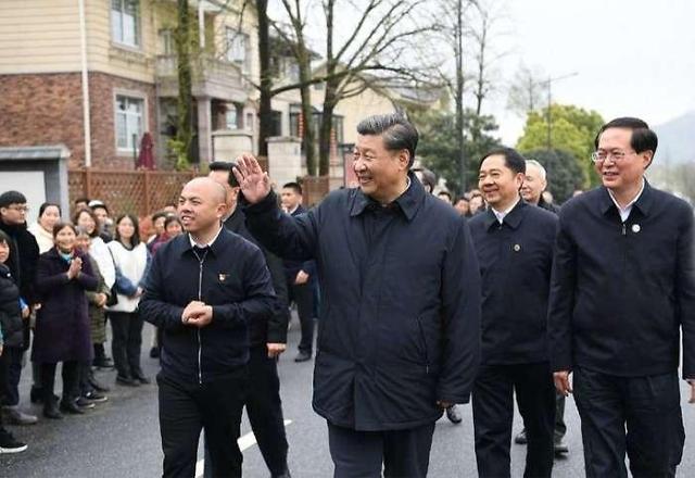 저장성 시찰하는 中시진핑 주석