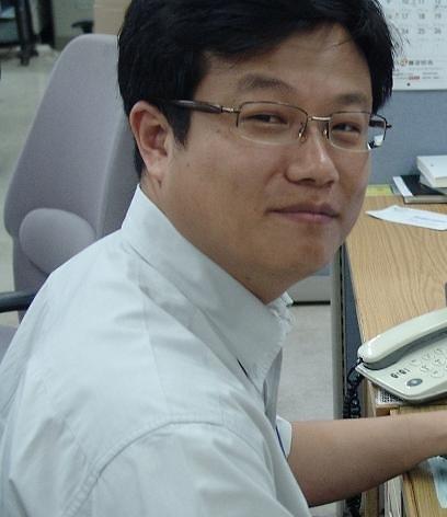 [칼럼]'평화의 소녀상' 모독...오늘 대한민국 한복판에서 벌어진 일