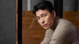 .韩国演员郑雨盛父亲病逝 .
