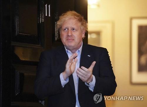 """[코로나19] 보리스 존슨 영국 총리, 병원 입원...""""예방 차원"""""""