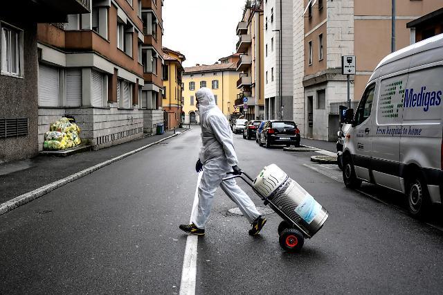 중국이 보낸 마스크, 진단키트 등 지원 물자, 이탈리아 도착