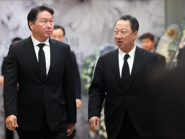 [SK 창립 67年] 최태원, 위기 때마다 제목소리 낸 '맏형 리더십'