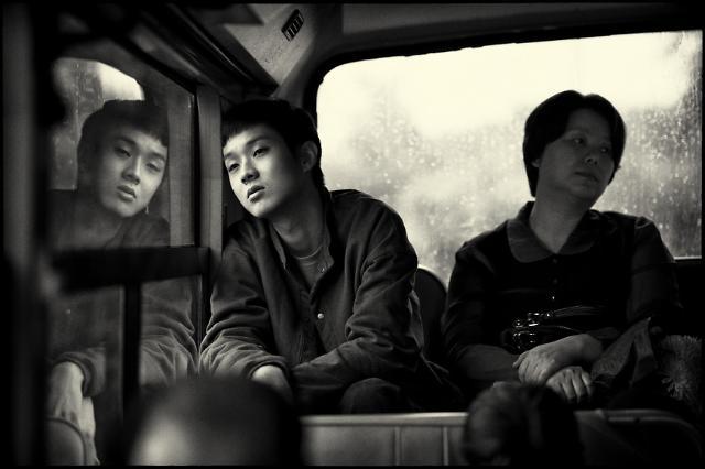 韩片《寄生虫》黑白版月底在韩上映