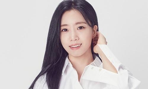 咸恩静签约新生经纪公司Cabin74