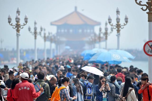 중국, 5월 1~5일 노동절 연휴 확정...코로나19 재확산 우려↑