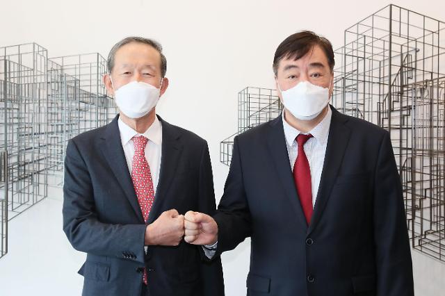 허창수 전경련 회장, 싱하이밍 주한중국대사와 경제협력 논의