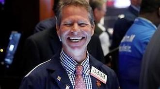 Gói kích thích kinh tế Mỹ giúp Dow Jones tăng 1,22% ... Giá dầu quốc tế giảm 9,3%
