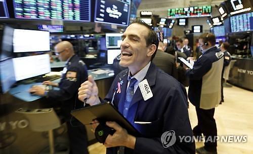 【纽约股市收盘】 美联储破格推出扶持政策道指上涨1.22%…国际油价暴跌9.3%