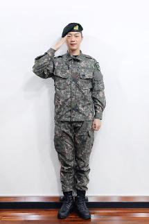 Highlight队长尹斗俊今日退伍