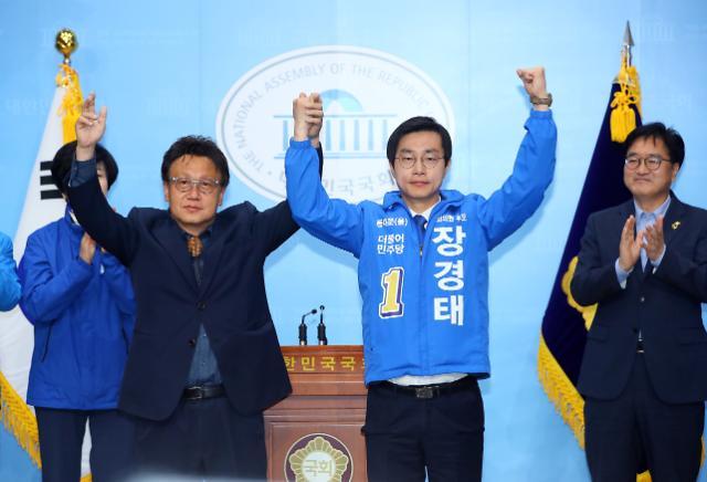 """민병두 """"민주당, 의회 권력 사실상 독점...과제는 경제살리기"""""""
