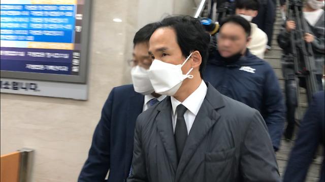 """뒷돈 수수 조현범·조현식 1심 집유… """"피해자들이 선처 원해"""""""