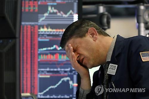 """[纽约股市]""""油价首次出现负增长""""冲击纽约股市 道琼斯2.4%↓"""