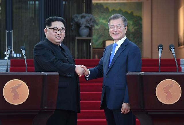 """[코로나19] 방호복 2만벌 대북지원 추가 승인…""""北 생약 분야 보건협력 관심"""""""
