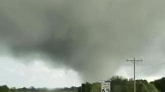 Lốc xoáy xảy ra tại 3 bang miền Nam nước Mỹ…Ít nhất 7 người tử vong