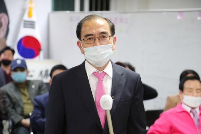 脱北外交官太救民:金正恩现在无法自行起身或行走
