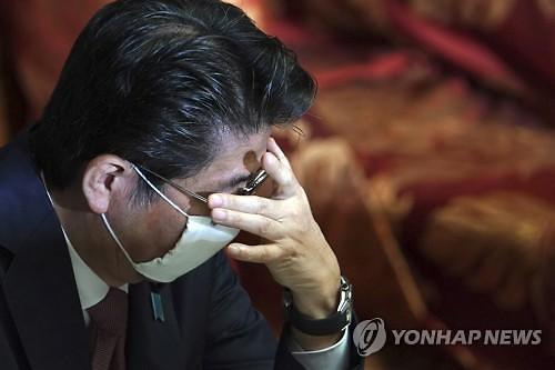 [코로나19] 일본 확진자수 다시 200명대...긴급사태 연장 무게