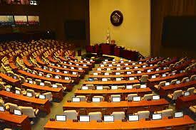 国会今日审议新冠疫情补助金相关财政预算案