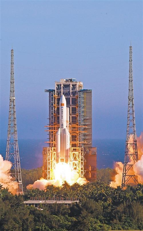 중국 차세대 대형 운반로켓 창정 5B호 발사 성공...우주굴기 박차