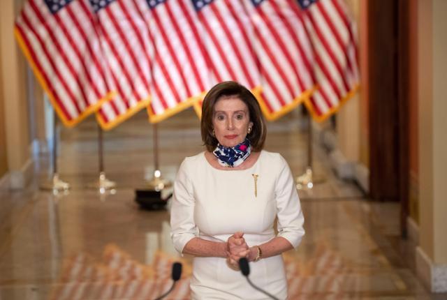 """美 46대 대통령, 낸시 펠로시?...트럼프 """"미친 낸시의 공산주의 국가는 총체적 재앙"""""""