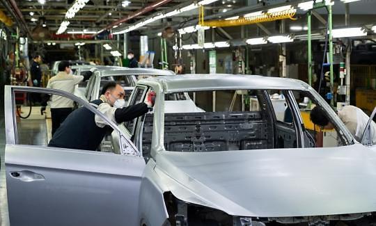 車산업 위축에도 4월 전기차 최대 수출