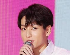 Jungkook nhóm BTS xin lỗi vì đã đi tới ổ dịch Itaewon club vào thời gian giãn cách xã hội