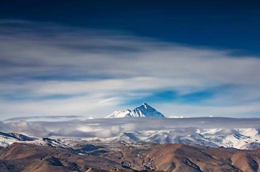 [광화문갤러리] 세계 최고봉 다시 재겠다는 중국, 황홀한 에베레스트 풍경