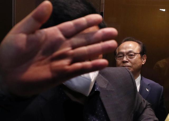 涉嫌性骚扰前釜山市长非公开到案受讯