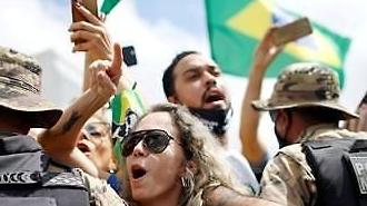 [코로나19] 트럼프, 브라질발 여행객 입국 금지